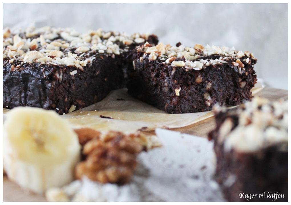 Sund brownie med dadler banan kokos og nødder