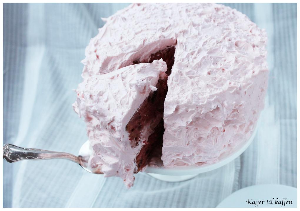 Pink kirsebærkage med amarena kirsebær og IMCB